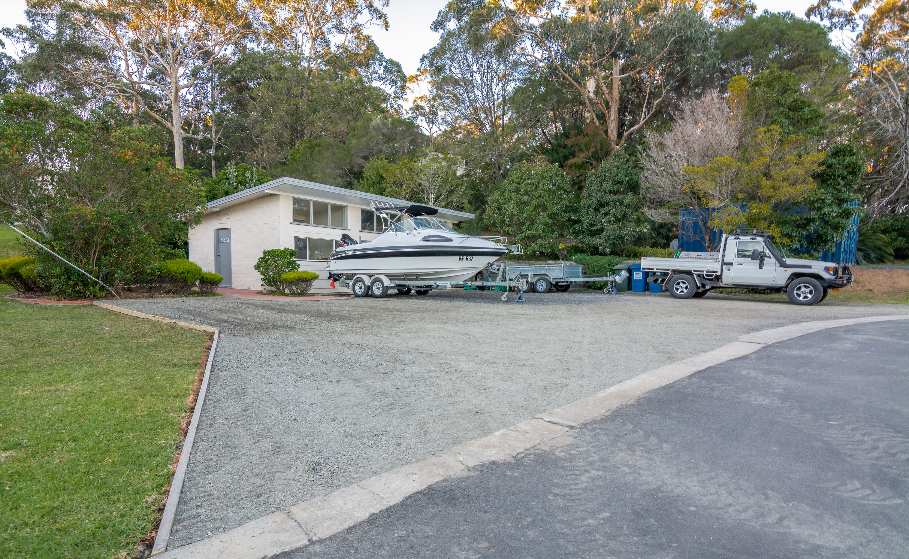 boat facilities at quarantine bay beach cottages